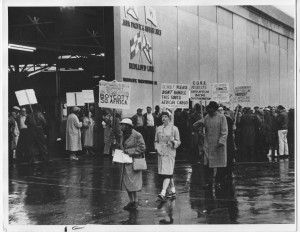 Early apartheid protest: In 1962 Local 10 longshoreman refused to cross a community picket line of activists from the American Committee on Africa who were protesting a ship containing South African goods. Photo courtesy of ILWU Library and Archives